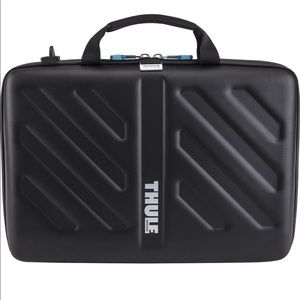 Thule Gauntlet Attaché Case 15""